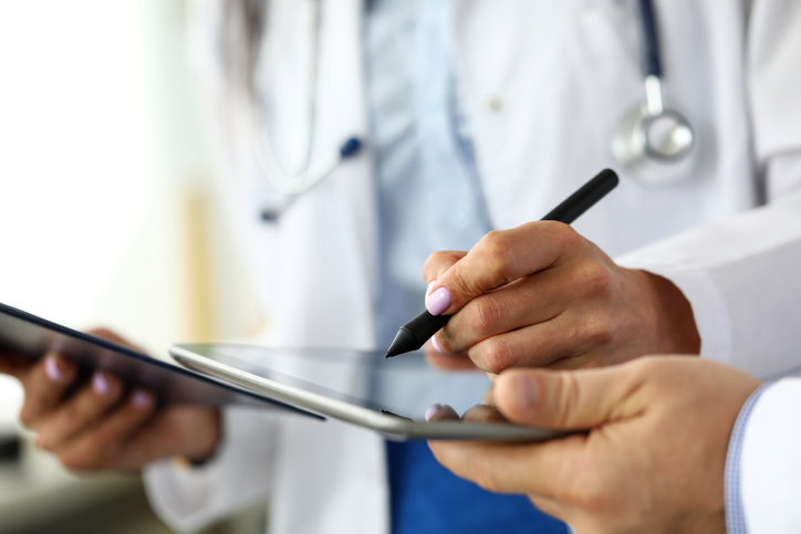 A Paperless Future for Healthcare? The 4 Advantages of Digital Document Signing